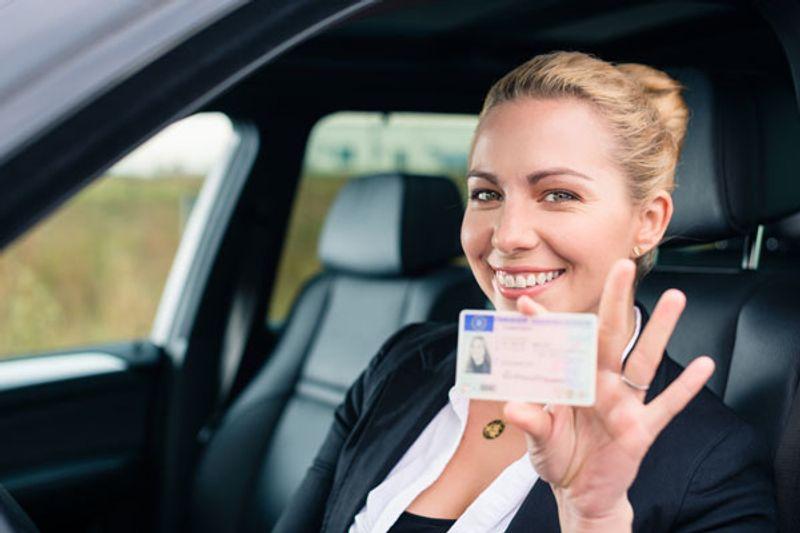 Come leggere il numero della patente di guida