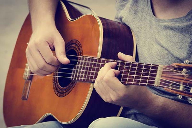 come suonare la chitarra classica