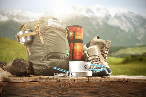 cosa portare in campeggio in montagna