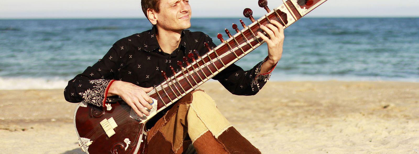 Caratteristiche della tipica chitarra indiana