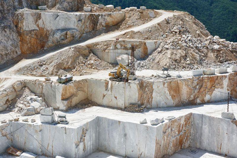 Gli usi della roccia di calcare e argilla