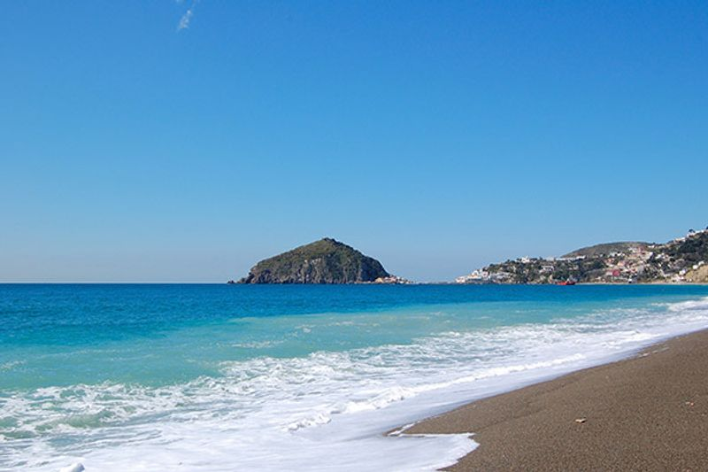 ischia porto spiagge