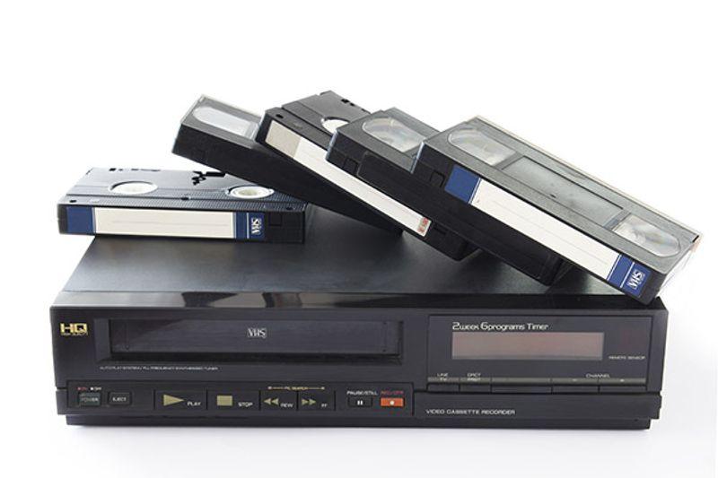 riciclo nastro videocassette