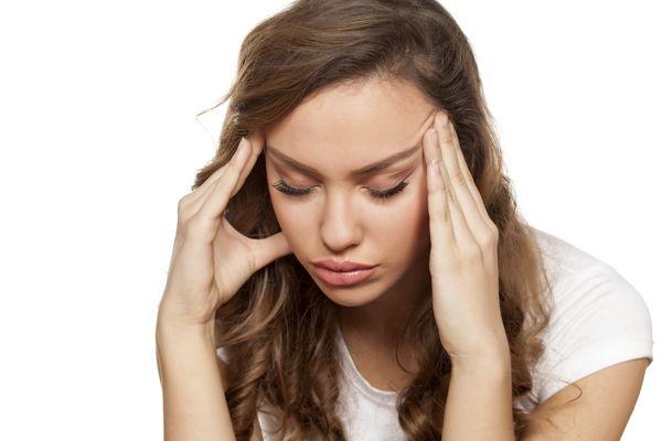 come riconoscere il mal di testa da cervicale